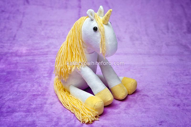 kwhiteford2015_unicorngold01